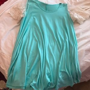 Lace sleeve tunic